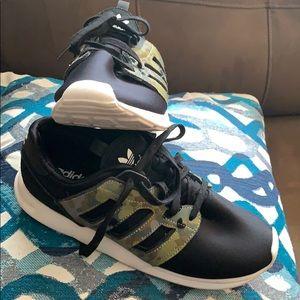Adidas men's 8.5 Camo a black neo